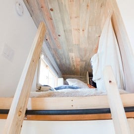 Tiny House ladder to loft