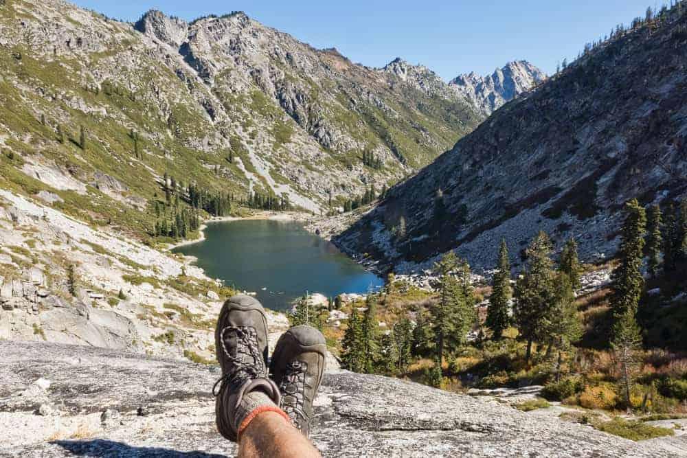 Hiking Stuart Fork Emerald Lake
