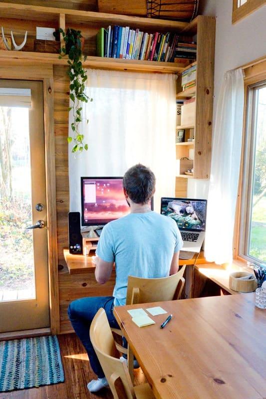 Bon Tiny House Office Workstation