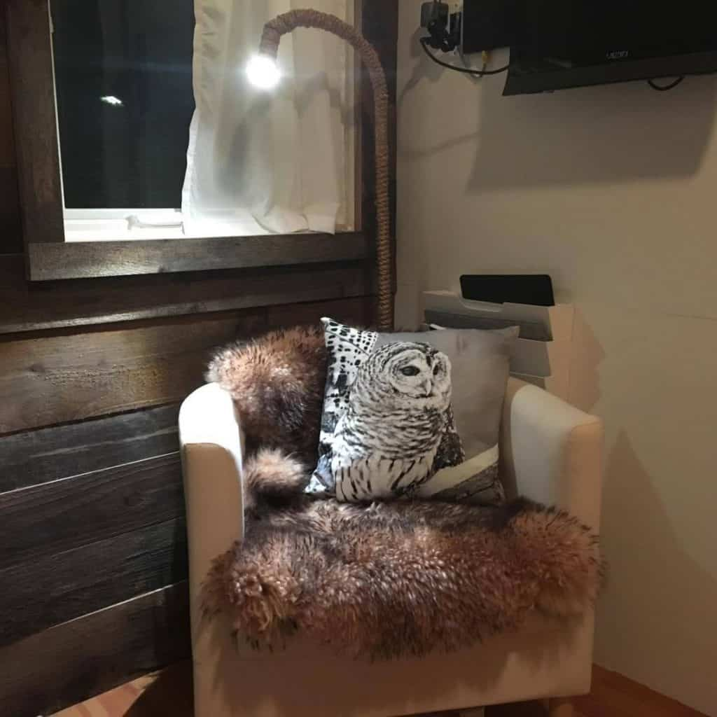 Tiny house chair and pillow
